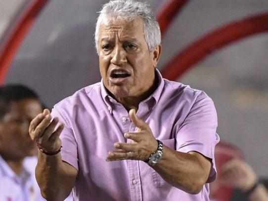 """Américo """"Tolo"""" Gallego deja de ser DT de la Selección Mayor de Panamá"""