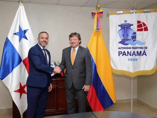 AMP firma convenio con compañía líder en el transporte marítimo