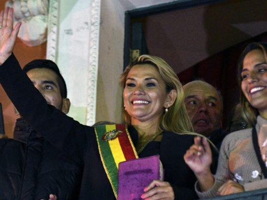 Áñez anuncia candidatura a la presidencia de Bolivia y sacude el tablero político