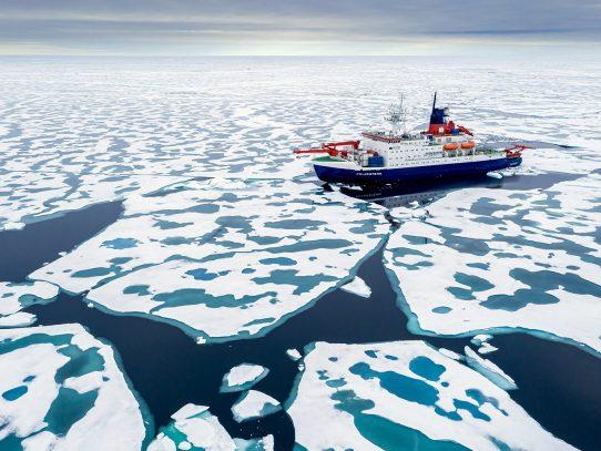 El hielo ártico se derrite dos veces más rápido de lo previsto, según un estudio británico