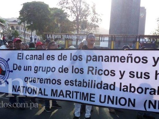 Trabajadores del Canal protestan en reclamo a mejores condiciones laborales