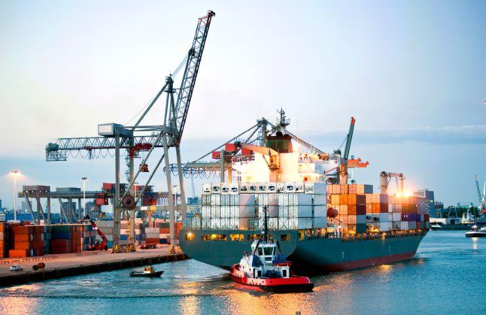 Armadores panameños exigen regulación para servicios marítimos auxiliares y cabotaje