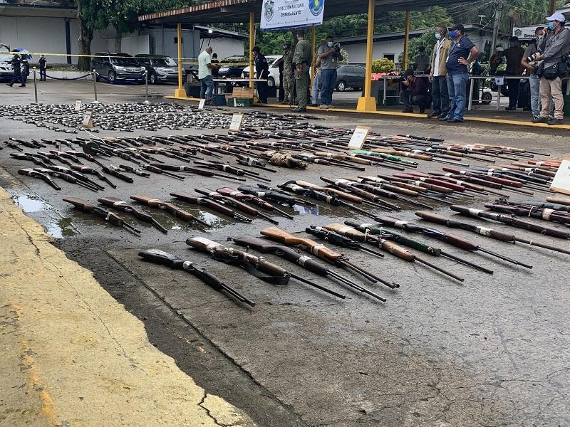 Estamentos de seguridad destruyen 686 armas de fuego de diversos calibres