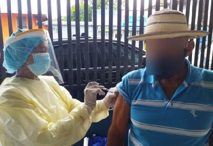 Piden a población vulnerable de Arraiján vacunarse contra la influenza