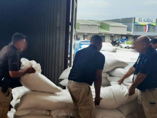 Más de 500 quintales de arroz de presunto contrabando decomisados en Merca Panamá