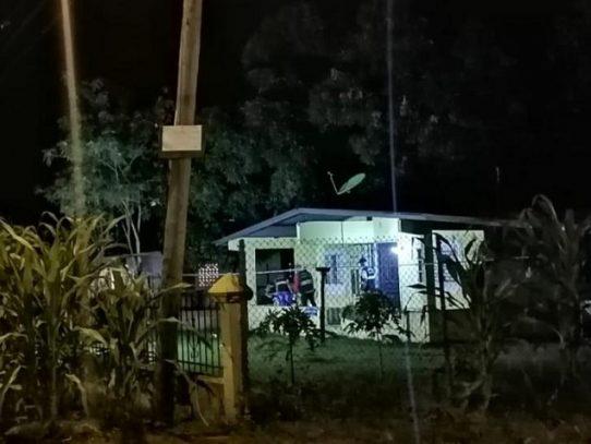 Un hombre es asesinado en su residencia en Panamá Este