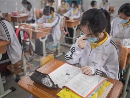 Wuhan, la ciudad china donde surgió el COVID-19, reabre sus colegios