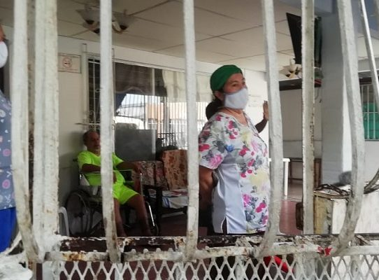 Verifican cumplimiento de medidas sanitarias en asilos de Juan Díaz
