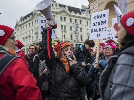 Las Abuelitas, una nueva voz contra los populistas en Austria