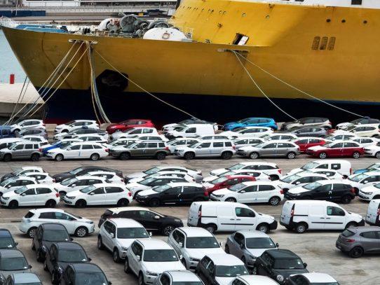 Continúan consultas para fortalecer controles para la importación de vehículos al país