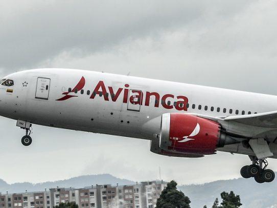 Justicia colombiana suspende millonario préstamo a Avianca