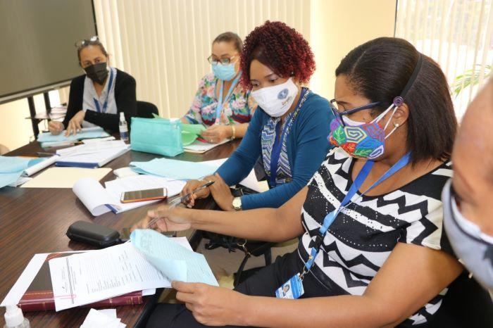 Entidades establecerán ficha única para atención de programas sociales