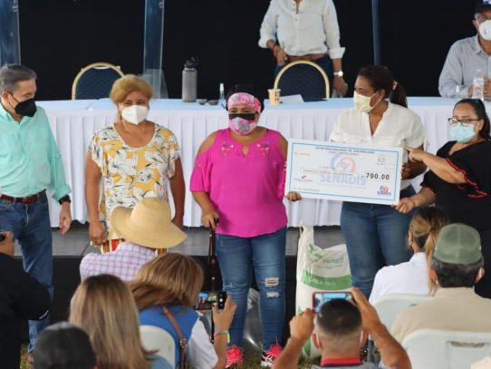 Ocho emprendedores chiricanos reciben capital semilla del programa Fami Empresas