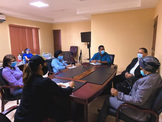 Gobernadora Meana impulsa alianza con gobiernos locales