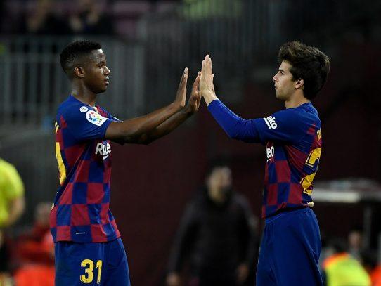 El Camp Nou vuelve a la vida, entre el entusiasmo del inicio y la tristeza post-Messi