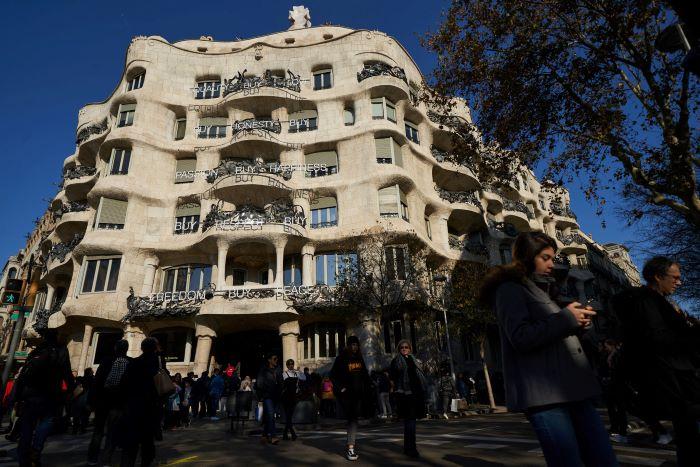 ¿Cómo es vivir en la casa más famosa de Barcelona?