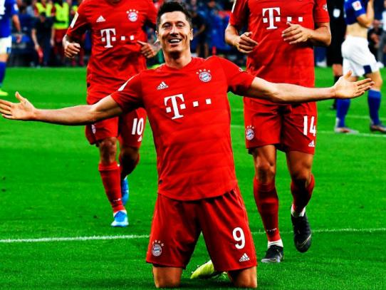 El Bayern de Múnich liquida al Schalke con un triplete de Lewandowski
