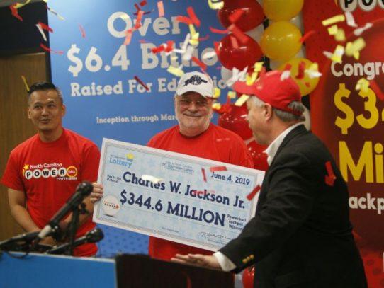 Una galleta china lleva a un estadounidense a ganar el premio gordo de la lotería