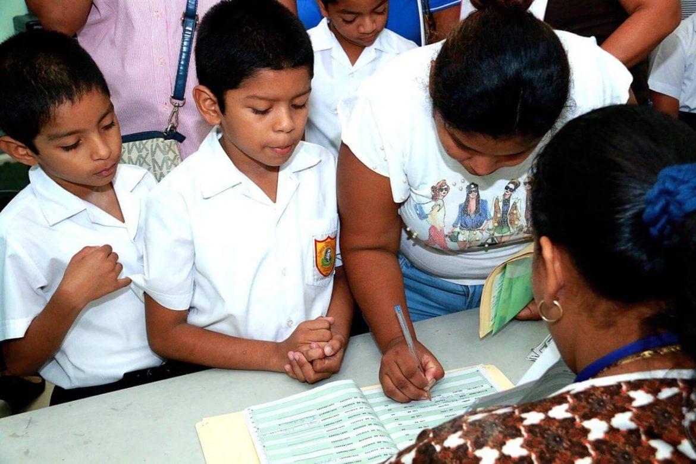 Ifarhu inicia pagos de beca universal en el distrito de San Miguelito
