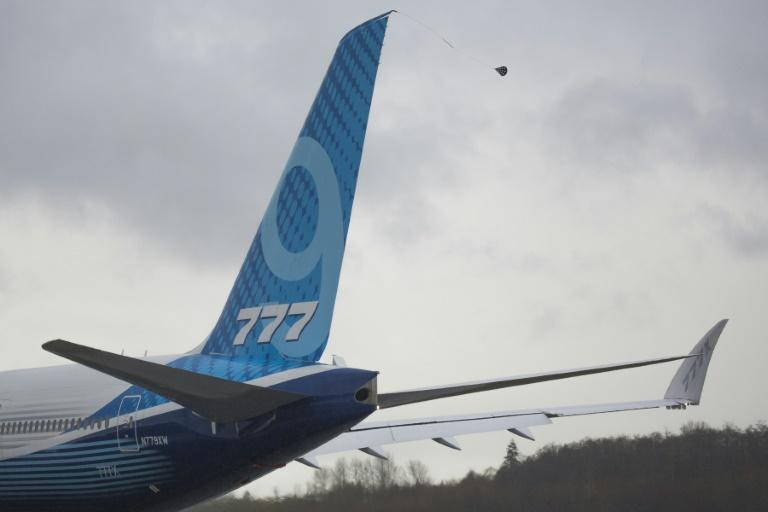 El viento obliga a Boeing a retrasar de nuevo el primer vuelo del 777X en EEUU