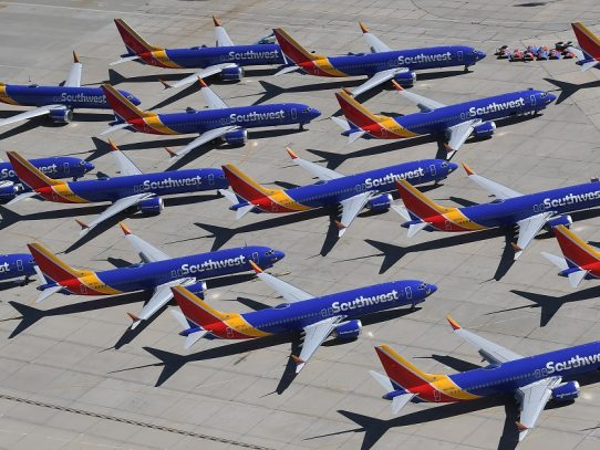 Boeing reconoce que su avión 737 MAX no volará hasta 2020