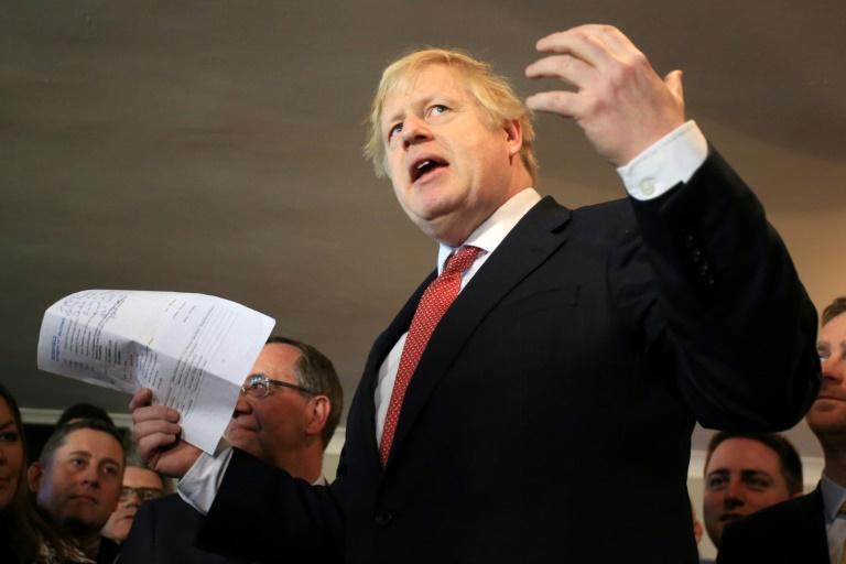 Johnson pide unidad en territorios ganados a los laboristas en Reino Unido