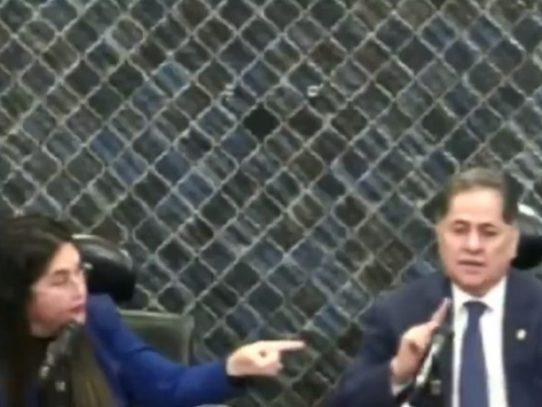 Tensión en la Comisión de Credenciales entre Roberto Ábrego y Zulay Rodríguez