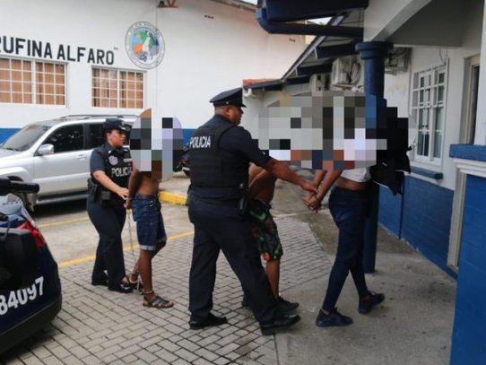 Un menor de edad y dos adultos aprehendidos en robo frustrado a una residencia de Brisas del Golf