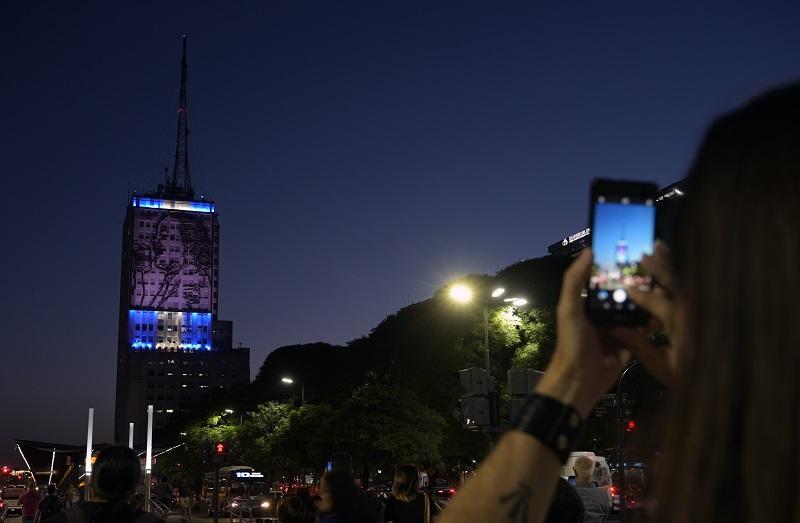 Argentina apura medidas para arrancar salida de la peor crisis desde 2001