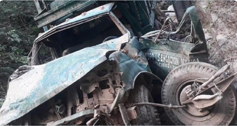 Hallan vehículo con 10 cuerpos carbonizados en el sur de México