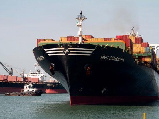 "Tránsito de buques por Canal de Panamá es ""espectacular"", dice administrador"