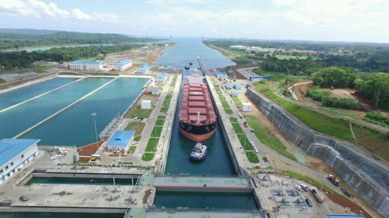 El Canal de Panamá entregó  $1, 824 millones  al Estado