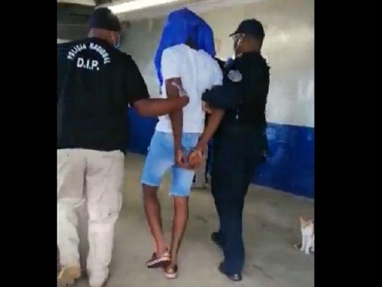 Capturan a presunto relacionado en un homicidio en La Playita
