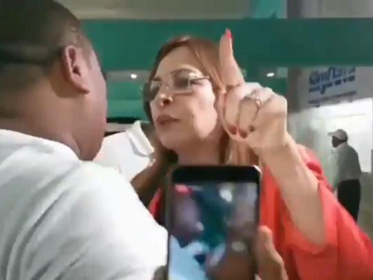 Balbina Herrera y simpatizantes de Martinelli chocan en instalaciones del SPA