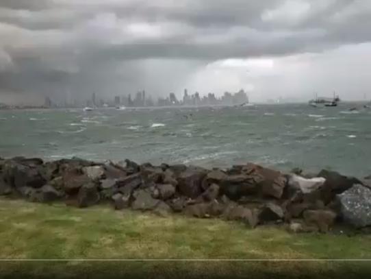 Emiten aviso de fuertes lluvias con ráfagas de vientos hasta las 9:00 p.m.
