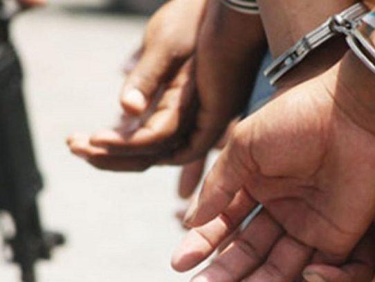 Detención para un hombre por delitos sexuales contra cuatro menores de edad