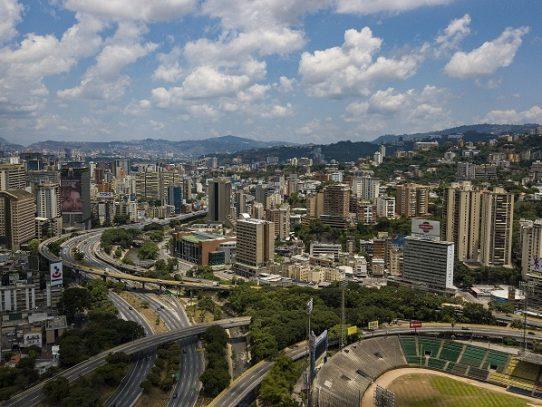 Venezuela extiende por quinto mes consecutivo prohibición de vuelos comerciales