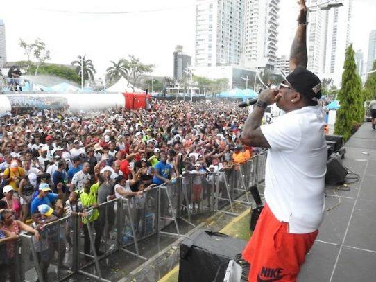 Artistas piden al gobierno el pago por su participación en los carnavales