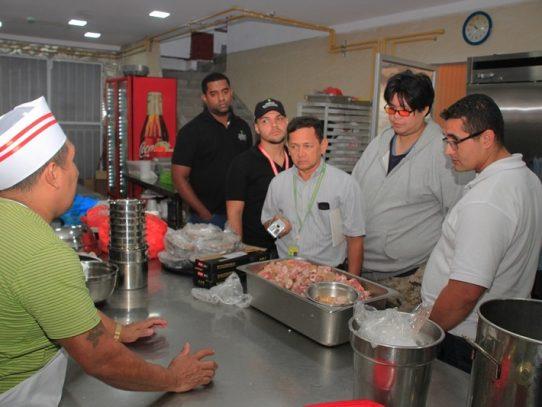 Multarán a restaurante por vender carne de chivo en Condado del Rey