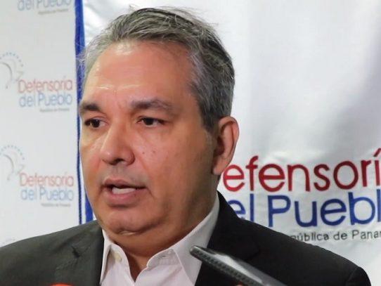 Asamblea considera remoción de Castillero Hoyos como defensor del pueblo