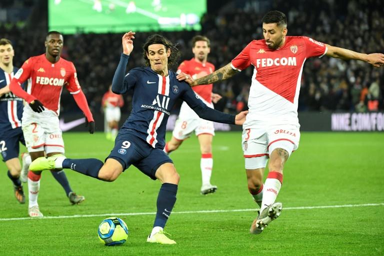 El PSG excluye a Cavani de la lista para Lille ante un posible traspaso