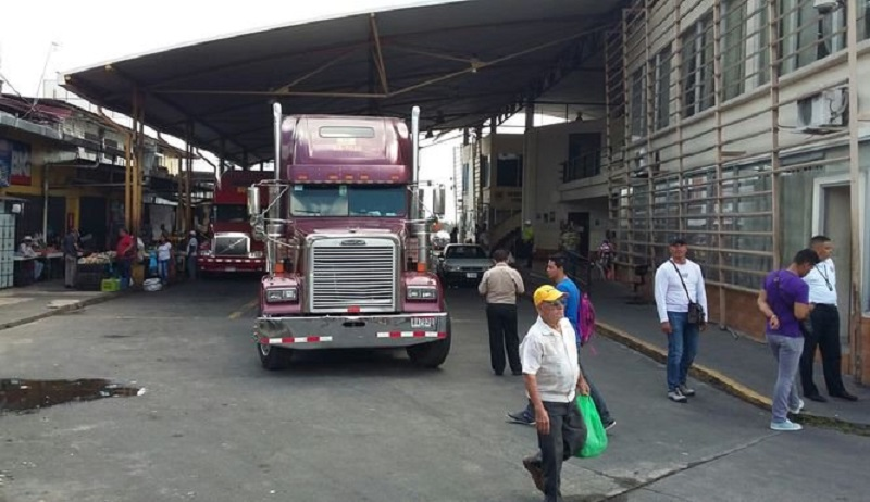 Panamá y Costa Rica analizan extensión de horarios en puestos fronterizos