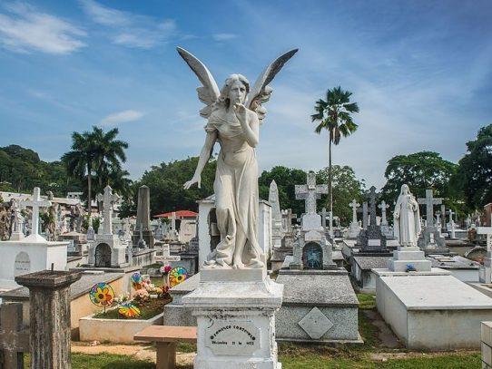 Recomiendan mantenerse en burbuja familiar el 2 de noviembre, en los cementerios