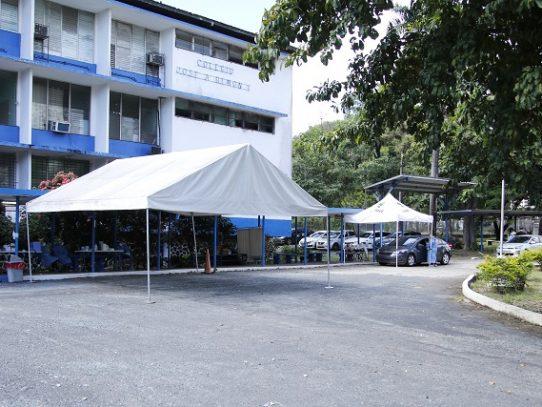 """Centro de hisopado """"auto rápido"""" de Atlapa fue trasladado al colegio José A. Remón Cantera"""