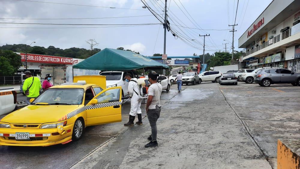 Realizan proceso se desintoxicación de unidades del transporte selectivo en Burunga, Arraiján
