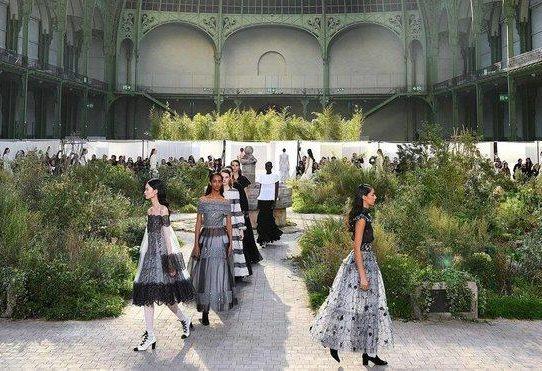 Chanel aplaza su desfile previsto para mayo en China
