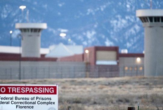 El Chapo Guzmán es trasladado a la prisión más segura de EE.UU.