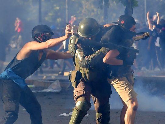 La creciente evidencia de abuso policial en Chile genera propuestas para la reforma