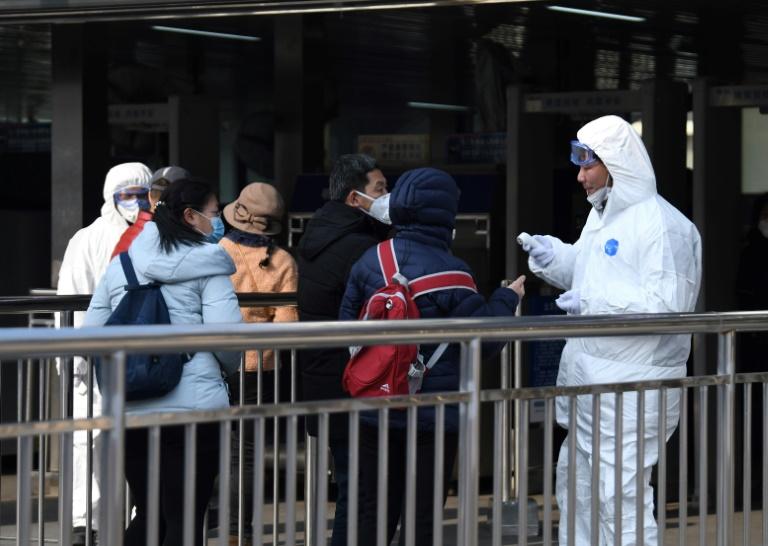 China confina a millones de personas para combatir el coronavirus