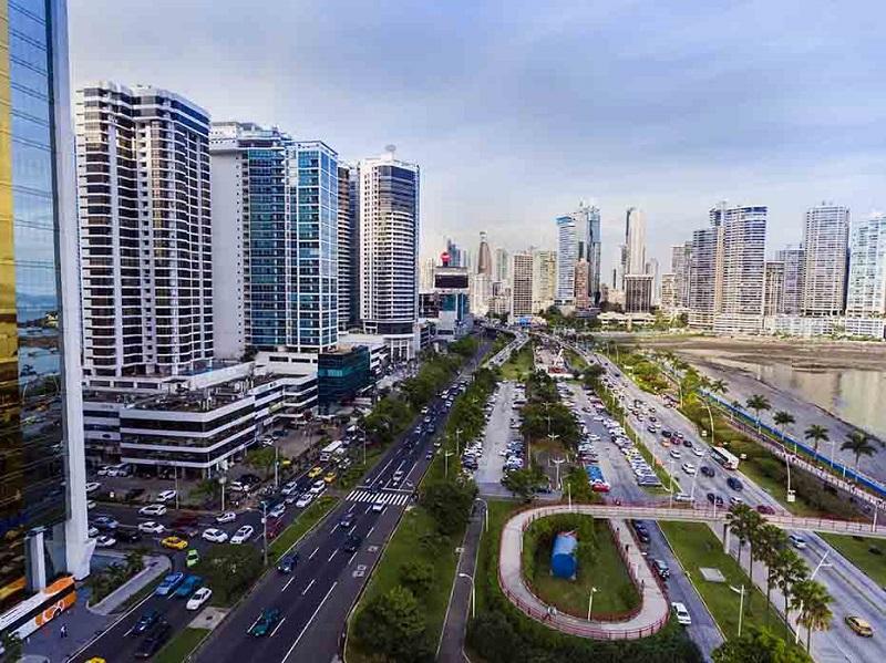 Panamá mantiene grado de inversión de Standard and Poor's